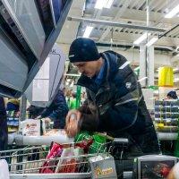 Суета супермаркета :: Галина Щербакова