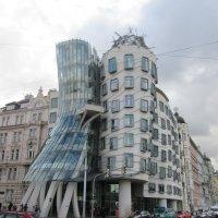 Танцующий дом в Праге :: Tamara *
