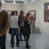 На выставке картин :: Яков Реймер