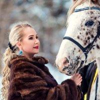 Девушка и лошадь :: Вячеслав Ложкин