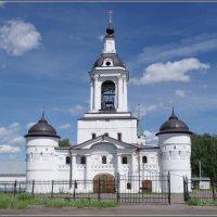 Авраамиев Богоявленский монастырь. Надвратная Никольская церковь. :: Николай Панов
