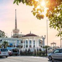 Ротонда у Морского вокзала :: Юлия Батурина