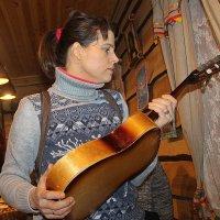 Поговори хоть ты со  мной,гитара семиструнная.... :: Tatiana Markova
