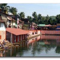 Священное озеро Коти Тирха  в Гокарне. :: Чария Зоя