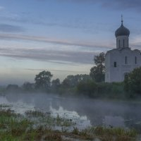 Двое в лодке у храма. :: Igor Andreev
