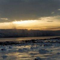 Рассвет над городом. :: Владимир Стаценко