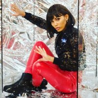 Девушка в стеклянном кубе :: Valentina Zaytseva
