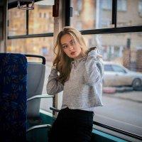 Юля в трамвае :: Vovick Photick