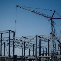 Здесь, по плану, строят ТРЦ, или ТЦ. :: Михаил Полыгалов