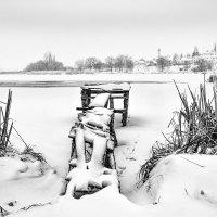 Мостик рыбака зимой... :: Сергей
