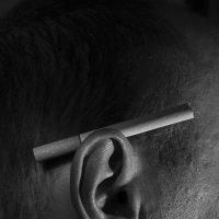 Сигарета за ухом :: Иван Смирнов