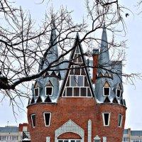 Ещё один замок рядом с горпарком :: Layman )