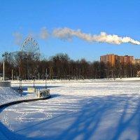 Зимнее озеро :: Сергей Карачин