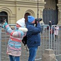 Повернитесь и  улыбнитесь! ВЕСНА НАСТУПАЕТ! :: Виталий Селиванов