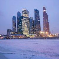 Зима в большом городе :: Олег Пученков