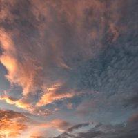 Эльбрус на закате :: Александр Хорошилов