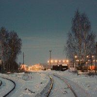 Вечер на станции Тихвин :: Сергей Кочнев