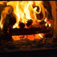 Вечером у огня :: Валерий Хинаки