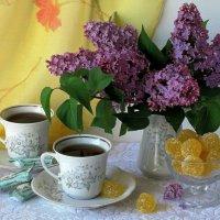 Чаепитие с ароматом сирени :: Татьяна Смоляниченко