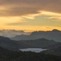Закат в горах Шри-Ланки. :: Ольга Петруша