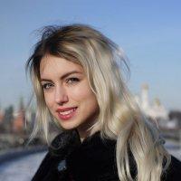 На мосту. :: Александр Бабаев