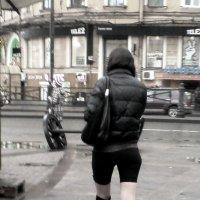 На Сенной /Но следуя за модой, себя не изуродуй/ :: Виктор Никитенко