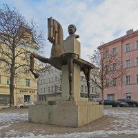 Памятник Ярославу Гашеку :: ИРЭН@ Комарова