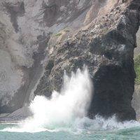 Волны и скалы :: Дмитрий Солоненко