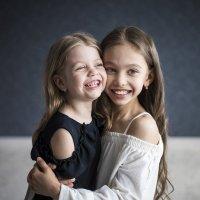 Сестрички! :: Ануш Хоцанян