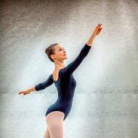 Балерина. :: Алексей Хаустов