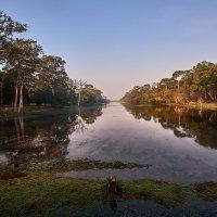Утро в Камбодже :: Игорь Иванов