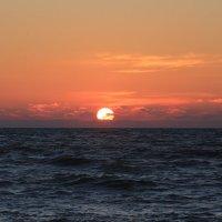 Утомилось солнце красное :: valeriy khlopunov