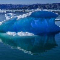 прозрачный айсберг :: Георгий