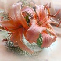 Лилии в вазе :: Попкова Александра