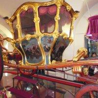 Подлинная карета Екатерины II в музее города Казани. :: лоретта