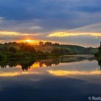 Ворона-река красных зорь :: Сергей