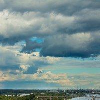 Тучи над городом встали в воздухе пахнет грозой :: Роман Д