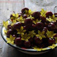 Вкусная черешня :: Elena Gosteva