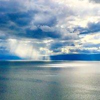 Дождь над Байкалом :: Наталья Сахиуллина
