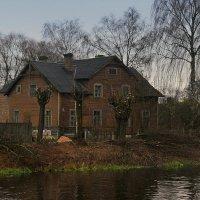 Дом с привидениями на канале Огинского. :: Valera Solo