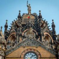 Главный купол главного вокзала Мумбаи (Бомбея) :: Oleg