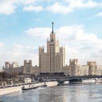Дом на Яузе :: Валерий Пегушев