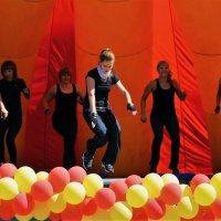 Танцы продолжаются... :: Sergey Gordoff