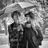 Есть я и ты... а все, что кроме - легко исправить с помощью зонта... :: Наталья Костенко