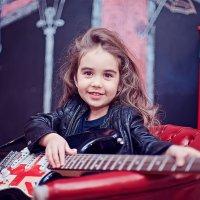 С гитарой :: марина алексеева