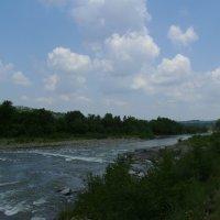 Река   Прут   в   Делятине :: Андрей  Васильевич Коляскин