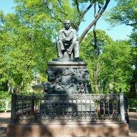 Памятник И.А. Крылову :: Наталья Т