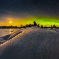 Полнолунье и северное сияние на Ладоге :: Фёдор. Лашков