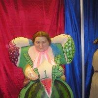 арбузно-ягодная женщина :: Димончик