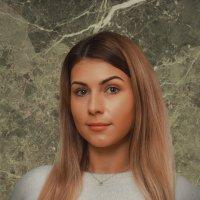 Женский портрет :: Александр Баранов